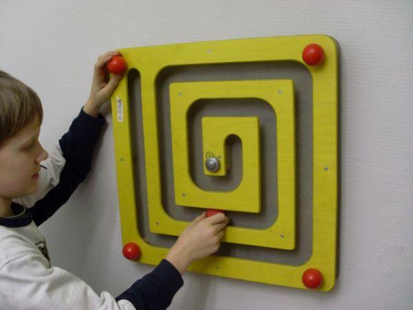 Wandspiel Quadrat Kugelspiel 49x49 cm
