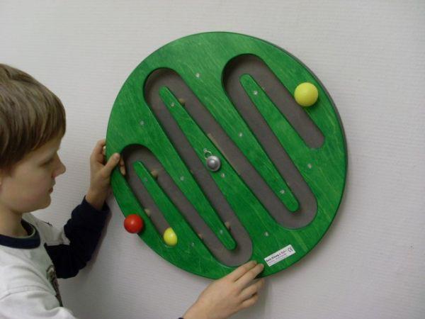 Wandspiel Berg & Tal grün 49 x 49 cm